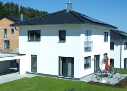 Haus Alina - Einfamilienhaus mit Zeltdach bauen